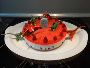 DIY dinozavri_torta_1