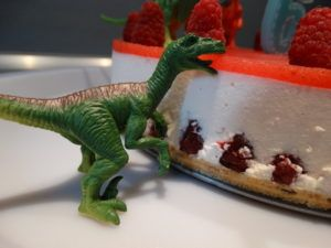DIY dinozavri_torta_2